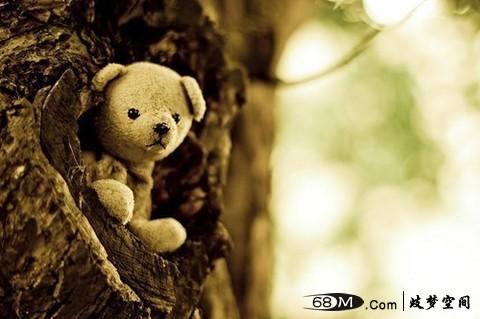 手绘感人短片:《小姑娘与熊的故事》