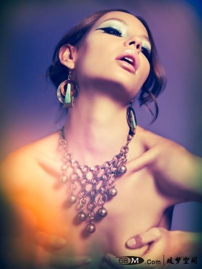 【解梦之身体】梦见脖子 梦到脖子 事业成功 宠爱自己 灾难降临