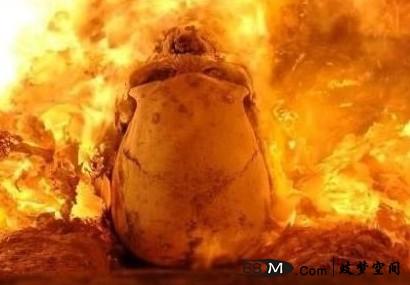【解梦之鬼神】梦见尸体燃烧 梦到尸体燃烧 成绩上升 考试进步